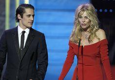 La actriz Belén Rueda y el actor Martín Rivas durante la ceremonia de entrega de la XXVI edición de los Premios Goya.