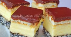 Un blat cu mac acoperit cu crema de vanilie, peste care asezam un strat de biscuiti inmuiati in cafea si glazuram cu ciocolata. Romanian Desserts, Russian Desserts, Sweets Recipes, Cookie Recipes, Desserts Around The World, Delicious Desserts, Yummy Food, Happy Foods, Pastry Cake