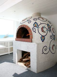 What I wouldn't give for this in our next back yard! Gorgeous pizza oven. ~Saucy