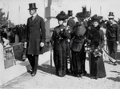 Alexandra and Dagmar with their younger sister, Thyra, Crown Princess of Hanover and Duchess of Cumberland (center), and their nephew, King Christian X of Denmark, the son of their older brother, King Frederick VIII of Denmark, who died on May 14, 1912.