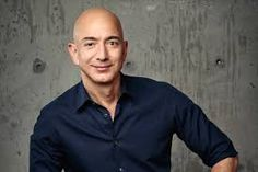Jeff Bezos installa un orologio che durerà 10 mila anni Iphone 7 Wallpapers Black, First International, Wife And Kids, Modern History, Online Sales, Role Models, Luxury Branding, Product Launch, Amazon