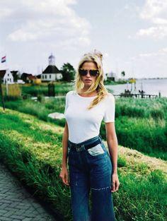 The unbelievably foxy Lara Stone in T magazine.#sunglasses