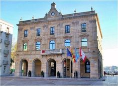 Gijón, Asturias. Ayuntamiento. Plaza Mayor. Social Izan, agencia de Marketing Digital y Posicionamiento Web. Especialistas en presencia Online y Marketing Social en Gijón