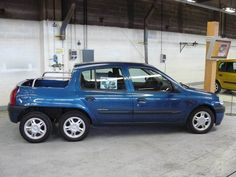Renault clio 6 wheel pickup.              6x6 in the world