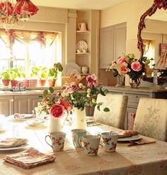 Not-so-shabby chic.more like sophisticated shabby Romantic Kitchen, Romantic Cottage, Romantic Homes, Shabby Chic Cottage, Shabby Chic Homes, Shabby Chic Decor, Cottage Style, Cozy Cottage, Rustic Cottage