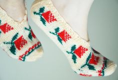 hand knitted wool slippers traditional ivory by LOVELYCHICKNITTING, $32.00