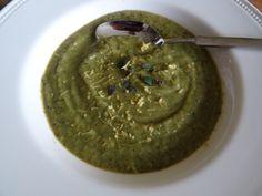 Courgettesoep die je kunt pimpen - Recept op http://www.coachinge.nu/courgettesoep-die-je-kunt-pimpen/