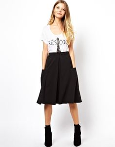 Black midi skirt with pockets