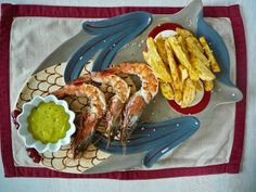 king prawns with homemade mayo and homemade french fries