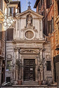 Entrada a la fe by Ismael Ortiz on 500px Roma - Iglesia Santa Bárbara dei Librai