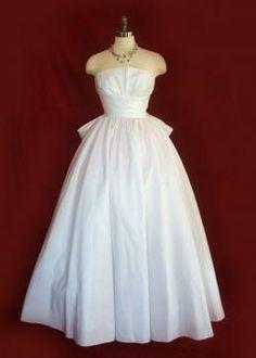 Gorgeous 1950s vintage wedding dress