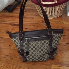 Nine West Shoulder Bag Handbag EUC used once or twice than stored away in my closet. No rips, tears, or stains. Price is firm unless bundled. I only ship once a week, if that's too long of a wait, feel free to shop elsewhere. Nine West Bags Shoulder Bags