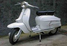 Lambretta Scooter, Vespa Scooters, Motor Scooters, Scooter Girl, Sidecar, Italian Style, Chopper, Cars And Motorcycles, Classic