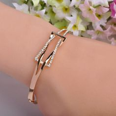 High Quality Rhinestone Crystal Bangle Bracelet for Women Men Tin Alloy Gold Plated Exquiste Made Luxurious Jewelry Pulseira That`s just superb! Get it here Source by sunilsakpal bracelets Copper Jewelry, Cute Jewelry, Women Jewelry, Fashion Jewelry, China Jewelry, Fashion Hats, Fashion Fashion, Retro Fashion, Korean Fashion