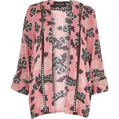 River Island Pink floral print kimono jacket (€80) ❤ liked on Polyvore featuring outerwear, jackets, capes / kimonos, coats / jackets, pink, women and river island