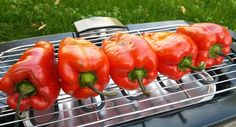 Recept za pohovane pečene paprike punjene feta sirom i još pohovane, recept za pravi gurmanski doživljaj. Trikovi i saveti kako da dobijete vrhunsko jelo