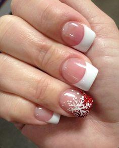 nail art natalizie · unghie decorate per natale con l\u0027anulare con french  rossa glitterata e fiocco di neve