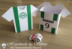 Handmade by Sofietje: #traktatie #jongen #voetbal #giftbox #boy #soccer