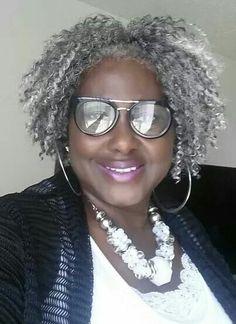Mature Women Hairstyles, Black Girls Hairstyles, Love Your Hair, My Hair, Grey Hair Inspiration, Grey Hair Don't Care, Salt And Pepper Hair, Silver Grey Hair, Hair Journey