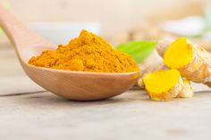 Turmeric, also known as curcuma longa, is a traditional herb native to India and Asia, with ancient healing properties and versatile culinary uses. The dried and ground root of this herb, produces this vibrant yellow spice which brings life to any dish. Turmeric Tea Benefits, Turmeric Health, Turmeric Mask, Health Benefits, Ayurvedic Herbs, Indian Kitchen, Natural Home Remedies, Health And Nutrition, Meals
