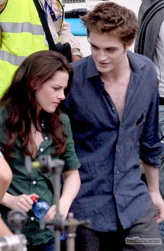Robsten Dreams: Robsten Pic of the Day ~ One of my favorite scenes. Seeing these two, it's like 'heaven' -- Filming New Moon,  May 2009