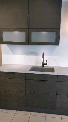 Kitchen Design Decor, Grey Kitchen Interior, Kitchen Design Trends, French Kitchen Decor, Interior Design Kitchen, Kitchen Room Design, Kitchen Furnishings, Kitchen Furniture Design, Kitchen Pantry Design