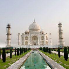 by @flashtraveller #mytajmemory #IncredibleIndia #tajmahal The day has finally arrived.. Namaste Taj Mahal  #tajmahal #arga #india #backpacking #amazing #onceinalifetime #sevenwondersoftheworld #royalty #romance #story #kingandqueen