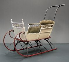 Full size child's Victorian Sleigh. The handle is made to detach and reattach on the front so the sleigh can be pulled instead of just being pushed. Vintage Sled, Vintage Pram, Vintage Toys, Vintage Christmas, Baby Furniture, Doll Furniture, Antique Furniture, Luge, Prams And Pushchairs