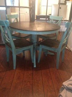 Dining Room Table and Chairs Makeover with Annie Sloan Chalk Painted Table Tops, Painted Kitchen Tables, Painted Chairs, Kitchen Table Redo, Kitchen Paint, Kitchen Chairs, Kitchen Ideas, Annie Sloan, Chalk Paint Dining Table