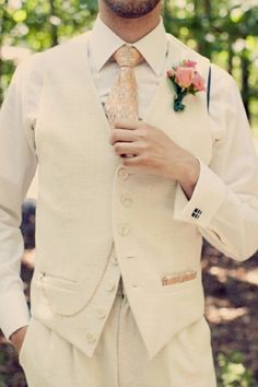 Loving the color tone but not with the tie.. My prince will have his tie bow with white rose :)