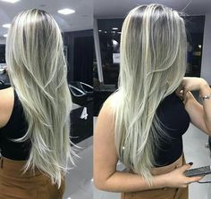 7 Biggest Haircut Trends in 2019 Gray Hair Highlights, Blonde Hair Looks, Blonde Bob Hairstyles, Trending Haircuts, Popular Haircuts, Light Hair, Layered Haircuts, Hair Inspiration, Curly Hair Styles
