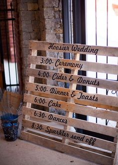 An amazing wood pallet wedding ideas is surfaced hangings or sketches. Affordable wood pallet wedding ideas improve the beauty of surfaces. Wedding Signs, Our Wedding, Dream Wedding, Wedding Sign In Ideas, Fall Wedding Programs, Wedding Season, Pallet Wedding, Rustic Wedding, Country Wedding Groomsmen