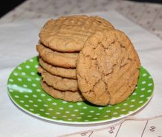 Healthy Peanut Butter Cookies - so delicious! I added dark chocolate chips too!