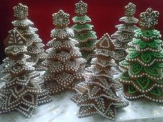 Wonderful and delicious Homemade Christmas Tree Food Inspirations TipsVeronika Kralova's media content and analytics Don't you love the way they have used a cute Christmas decoration. Fruit Christmas Tree, Homemade Christmas Tree, Christmas Tree Cookies, Christmas Gingerbread House, Xmas Cookies, Christmas Love, Christmas Goodies, Christmas Desserts, Christmas Baking