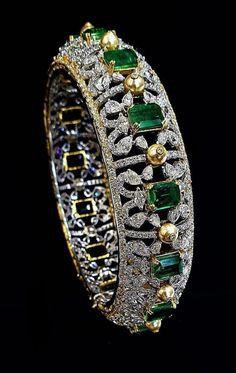 India Jewelry, Gems Jewelry, Jewelry Accessories, Fine Jewelry, Jewelry Design, Antique Jewelry, Vintage Jewelry, Emerald Jewelry, Bracelets