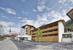 Seminar Hotel Sporthotel Silvretta Montafon Gaschurn Hotels, Multi Story Building, Mansions, House Styles, Home Decor, Contemporary Architecture, Road Trip Destinations, Cottage House, Places