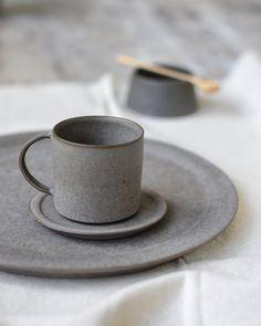 Jono Smart grey ceramic mug and plate Ceramic Tableware, Ceramic Clay, Kitchenware, Crockery Set, Pottery Mugs, Ceramic Pottery, Earthenware, Stoneware, Pottery Designs