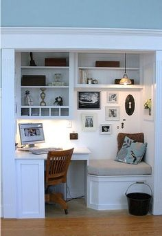 Office Nook - Design photos, ideas and inspiration. Amazing gallery of interior design and decorating ideas of Office Nook in living rooms, dens/libraries/offices, kitchens, entrances/foyers by elite interior designers. Computer Nook, Desk Nook, Desk Space, Corner Desk, Corner Office, Kitchen Corner, Study Corner, Desk Office, Office Decor