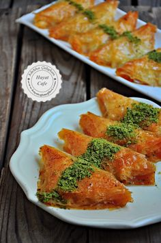 Baklavalık Yufkadan Şöbiyet Tatlısı – Hayat Cafe Kolay Yemek Tarifleri – Tatlı tarifleri – Las recetas más prácticas y fáciles Turkish Recipes, Asian Recipes, Ethnic Recipes, Cookie Recipes, Dessert Recipes, Desserts, Sorbet, Ramadan, Turkish Sweets