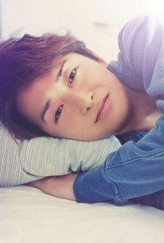 Imagine waking up to this face.....Ohno Satoshi <3