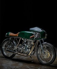 revival cycles' rickman velocette is a pristine café racer – Motorcycles Antique Motorcycles, Cars And Motorcycles, Old Scool, Vintage Cafe Racer, 4 Wheelers, Cafe Style, Cafe Racer Motorcycle, Cool Cafe, Moto Guzzi