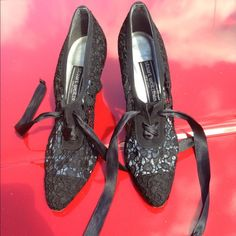 Sold No damage pic shows it,wore couple time this r a repost size 8 but will fit size 7 The person had purchase before wore 7.5 they did not fit Stuart Weitzman Shoes Sandals