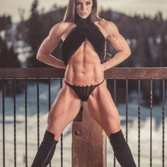 This site is a community effort to recognize the hard work of female athletes, fitness models, and bodybuilders. Fitness Inspiration, Fit Women, Sexy Women, Hot Girls, Chica Fantasy, Model Training, Ripped Girls, Muscular Women, Muscle Girls