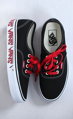 Dream Shoes, Crazy Shoes, Me Too Shoes, Sneakers Fashion, Fashion Shoes, Fashion Closet, Skate Shoes, Vans Shoes, Vans Authentic