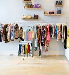The Best Vintage Stores in America  I believe in Vintage shopping, especially when traveling..I always research the best spot to go when I plan out my itinerary.