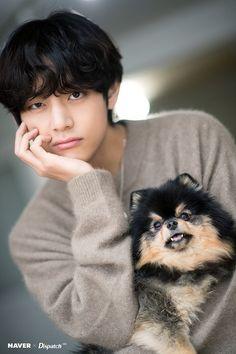 happy birthday jungkook Taehyung and Tannie - Dispatch released photos of Kim Taehyung and his dog Tannie for his birthday! Happy V Day! Bts Taehyung, Bts Bangtan Boy, Bts Jungkook, Taehyung Photoshoot, Daegu, Jung Kook, Foto Bts, Taekook, Fanmeeting Bts
