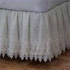 Love the look, now have to find the lace. Linen Bedroom, Shabby Chic Bedrooms, Guest Bedrooms, Linen Bedding, Bedroom Decor, Airy Bedroom, Dust Ruffle, Pearl And Lace, Romantic Homes