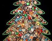 O' CHRISTMAS TREE. Vintage Rhinestone Costume Jewelry Framed Christmas Tree. Lights up. Velvet Backround. Large