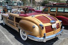 1947 Chrysler Town & Country – gold – rvl