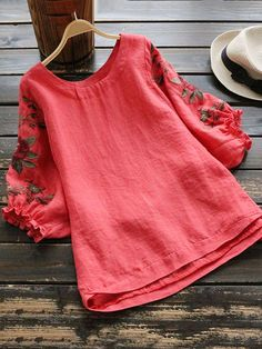 Here are some best ideas of latest and trending fashion for girls of Stylish Tops, Stylish Dresses, Casual Dresses, Casual Outfits, Frock Fashion, Fashion Dresses, Kurta Designs, Blouse Designs, Stitching Dresses